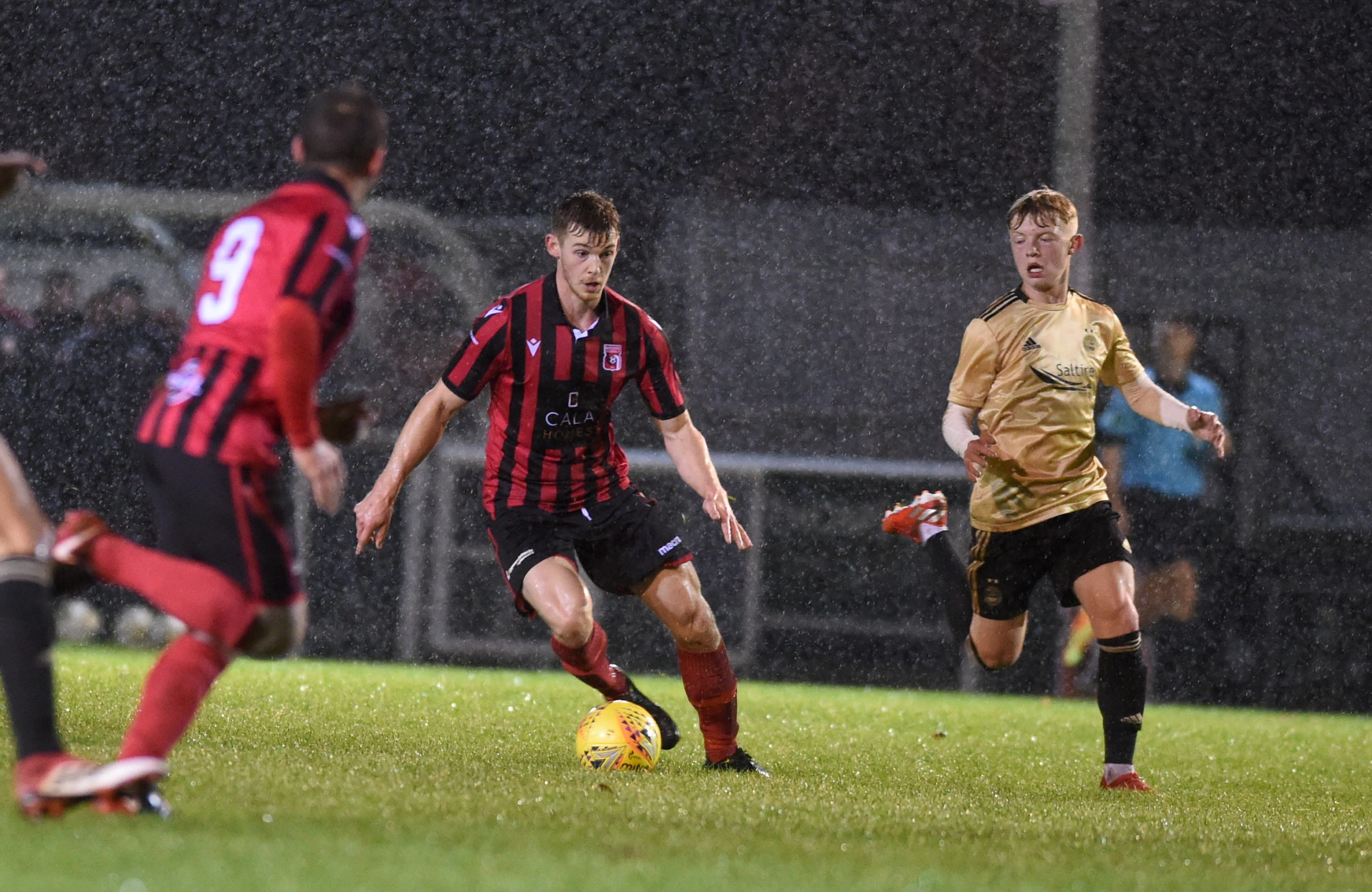 Inverurie Locos forward Andy Hunter.