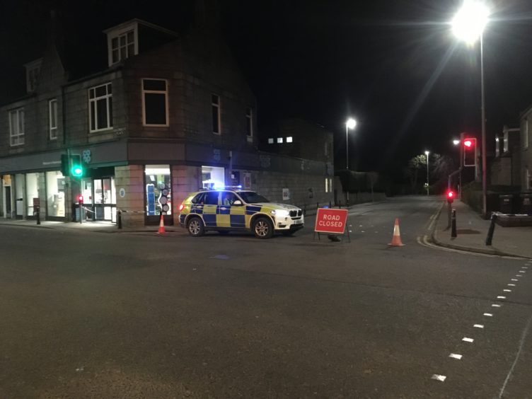 Bomb squad called and Aberdeen flats evacuated in suspicious device drama - Evening Express