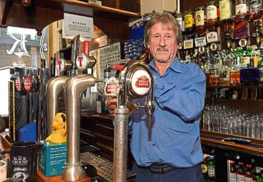 Aberdeen pubs open