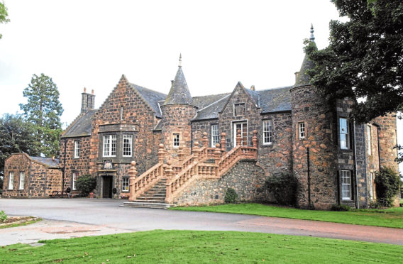 Plans for 36 homes on the Meldrum House estate have been recommended for approval