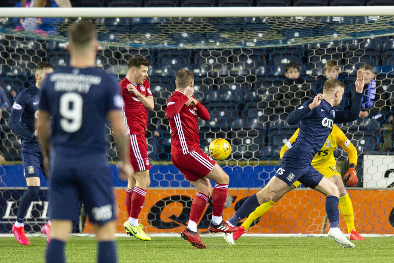 Aberdeen's Niall McGinn (centre) pulls a goal back to make it 2-1 during the  Premiership match between Kilmarnock and Aberdeen at Rugby Park.