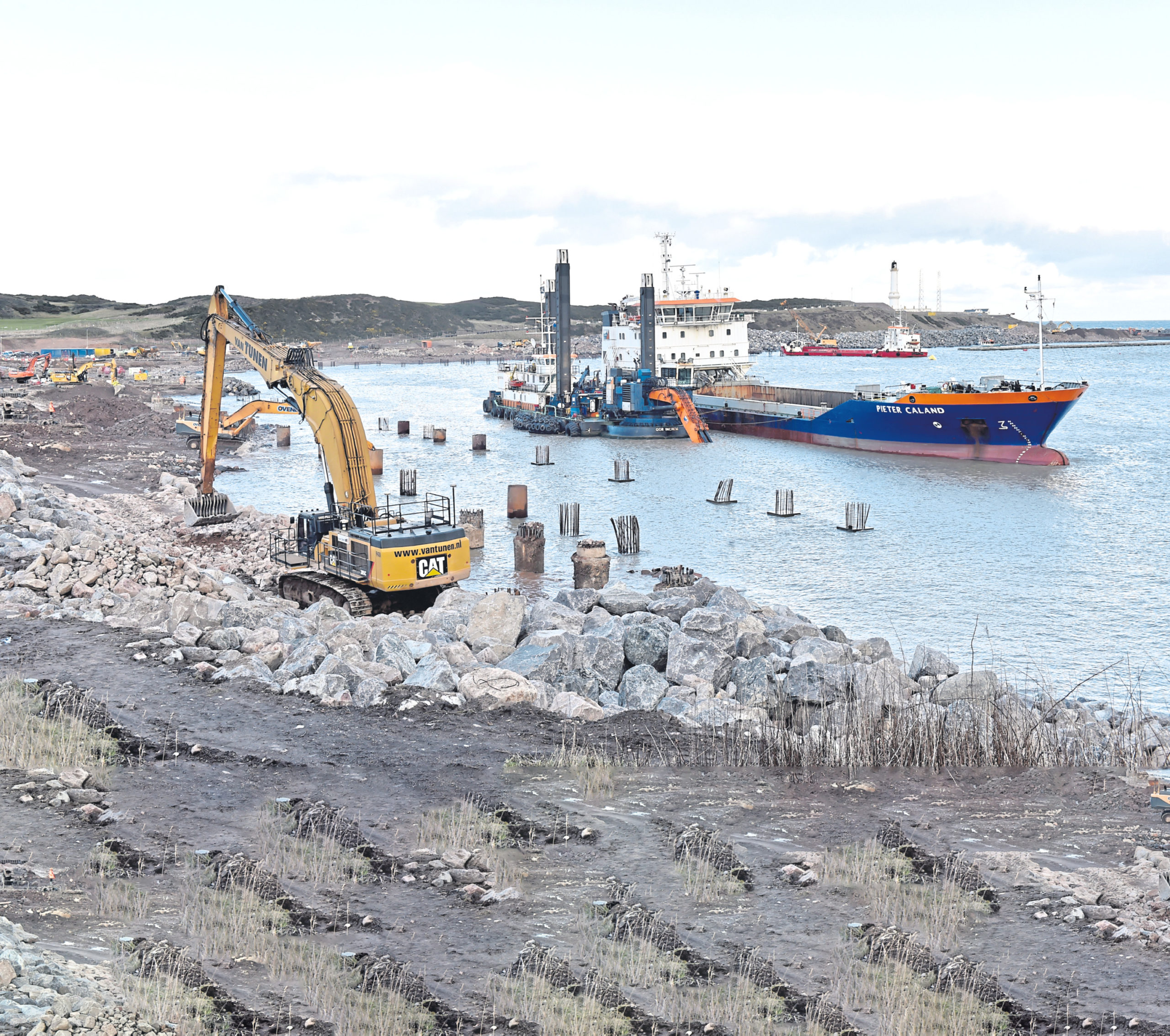 Key contractor Dragados UK has pulled out of the Aberdeen Harbour Expansion Project.