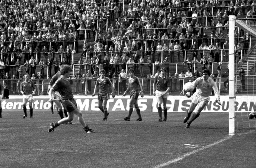 Aberdeen's third goal scored by Gordon Strachan.