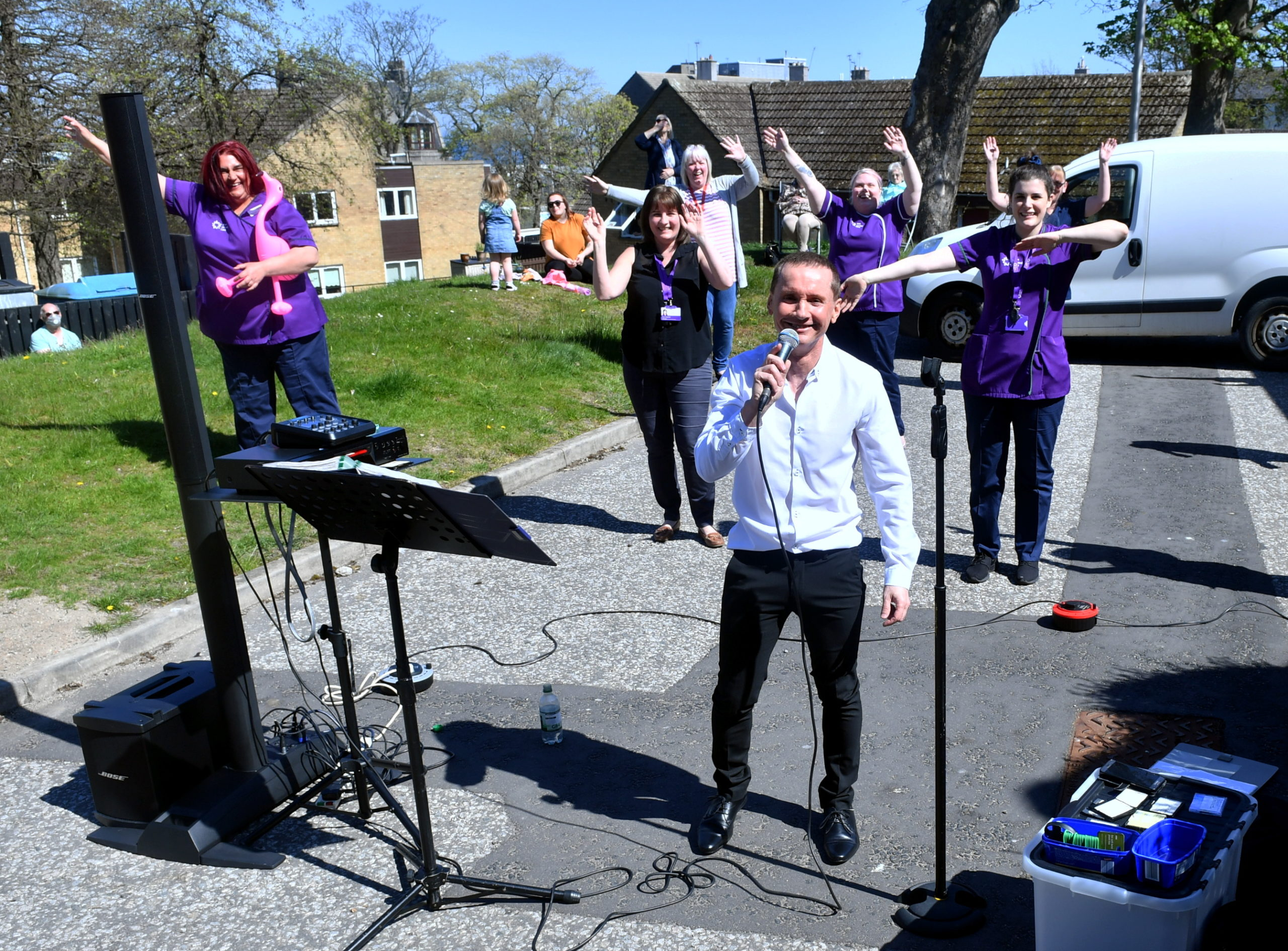 Singer Calum McDonald performed for the residents of Balnagask House in Torry