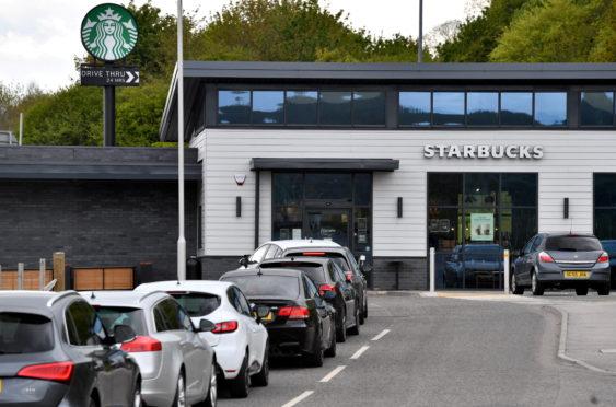 Queues at the Starbucks drive thru, Westpark Drive, Blackburn, Aberdeen.