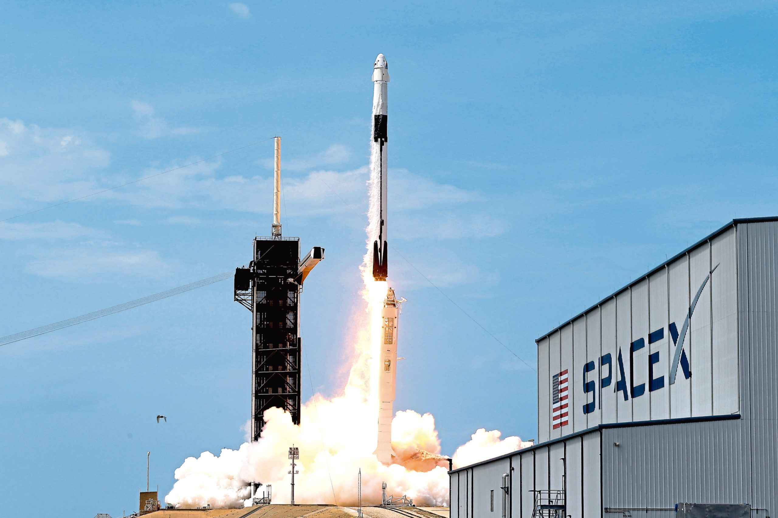 A SpaceX Falcon 9
