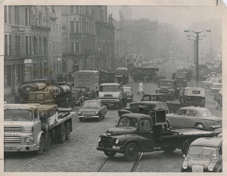 Looking north along a congested Market Street, Aberdeen.  10 November 1965.