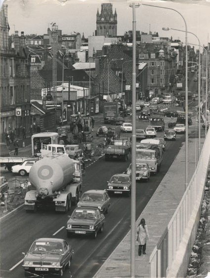 Looking north up a congested Market street, Aberdeen, to the city centre.  20 September 1977.