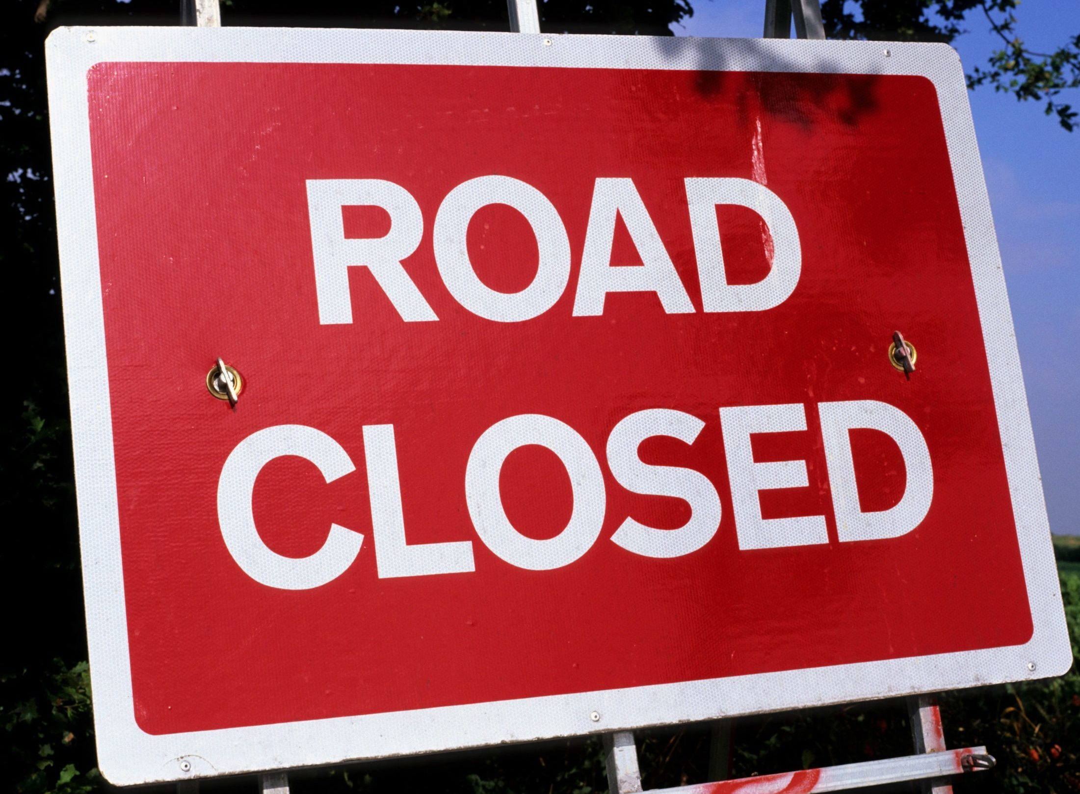 Countesswells Road will be shut temporarily from its junction with Ben Reid Garden Centre to just before Kirk Brae