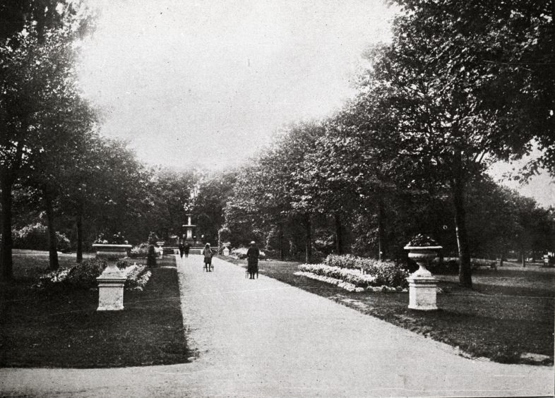 Late 19th century, looking west along the park's main avenue. Victoria Park was the city's first public park. It was developed by the Town Council between 1871 and 1873. The site was formerly a nursery for plants called Glennie's Park.