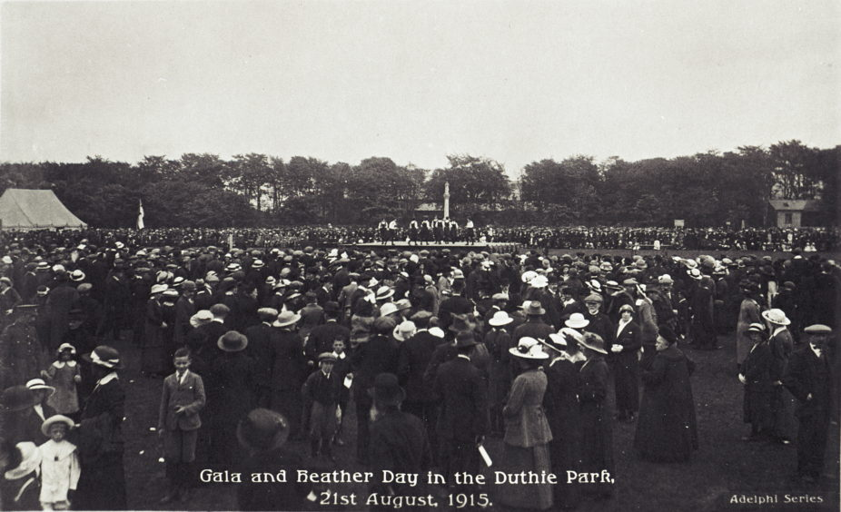 Postcard showing the Gala and Heather Day in Duthie Park on 21st August 1915. With 25,000 to 26,000 people in attendance this is likely the park's largest ever event. It was to raise money for Aberdeen Royal Infirmary and featured an elaborate programme of entertainment.