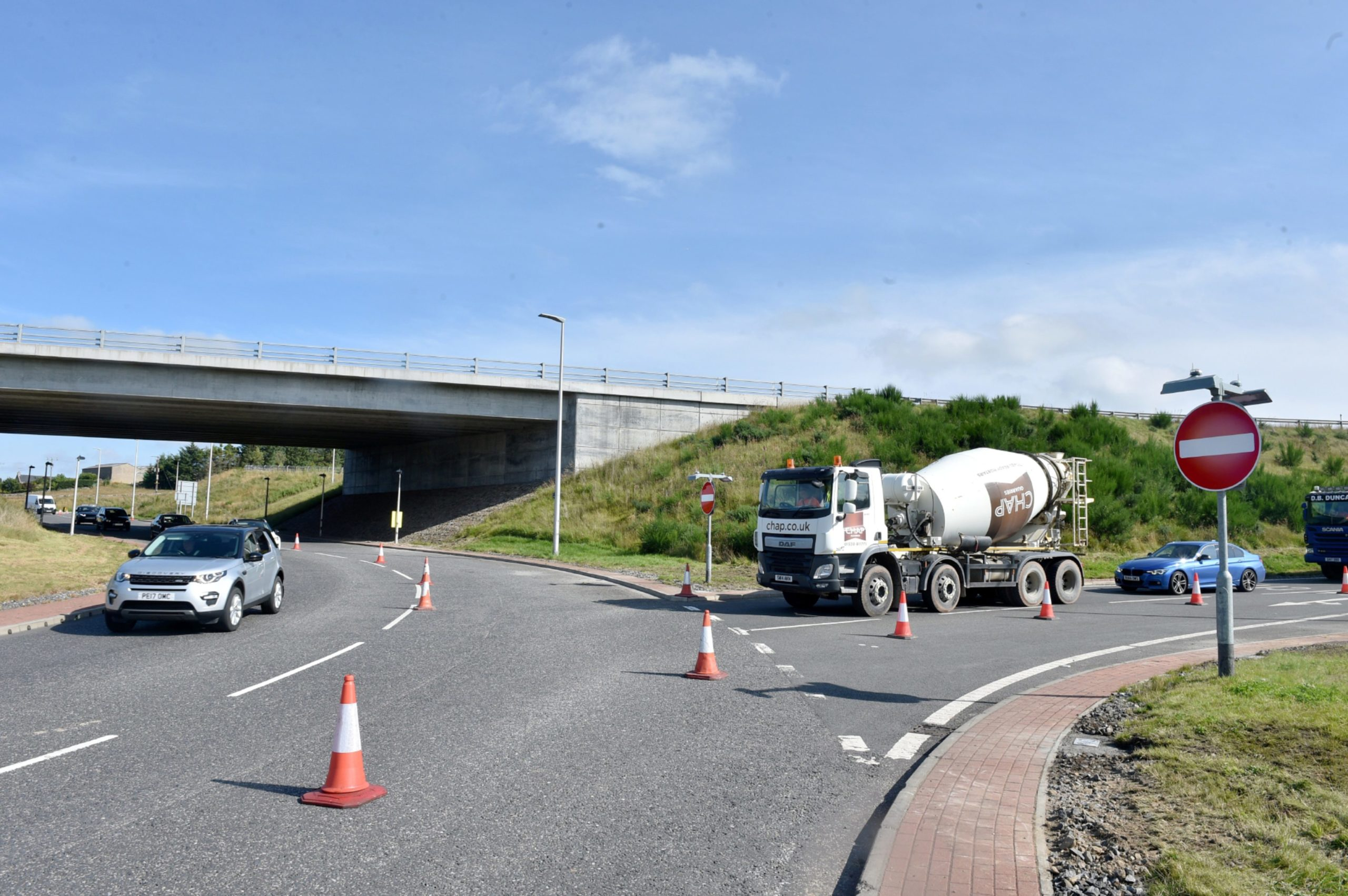 Traffic lights are being installed at the Kingswells South junction with the AWPR