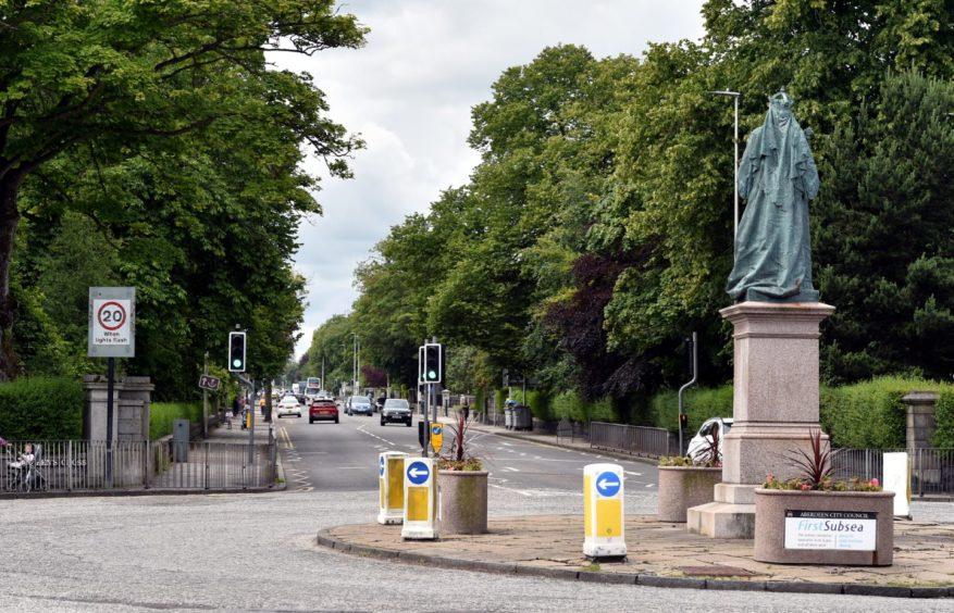 Queen's Road.