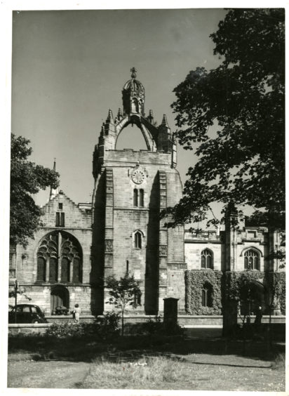 1959: Exterior of King's College, Aberdeen.