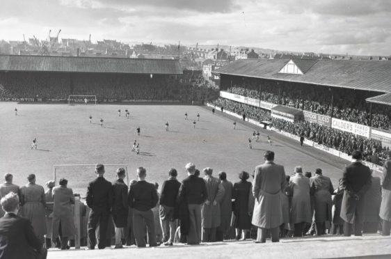 1957: The crowds watch on at Pittodrie