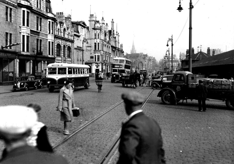 Everyday life on South Market Street, 30th June 1939