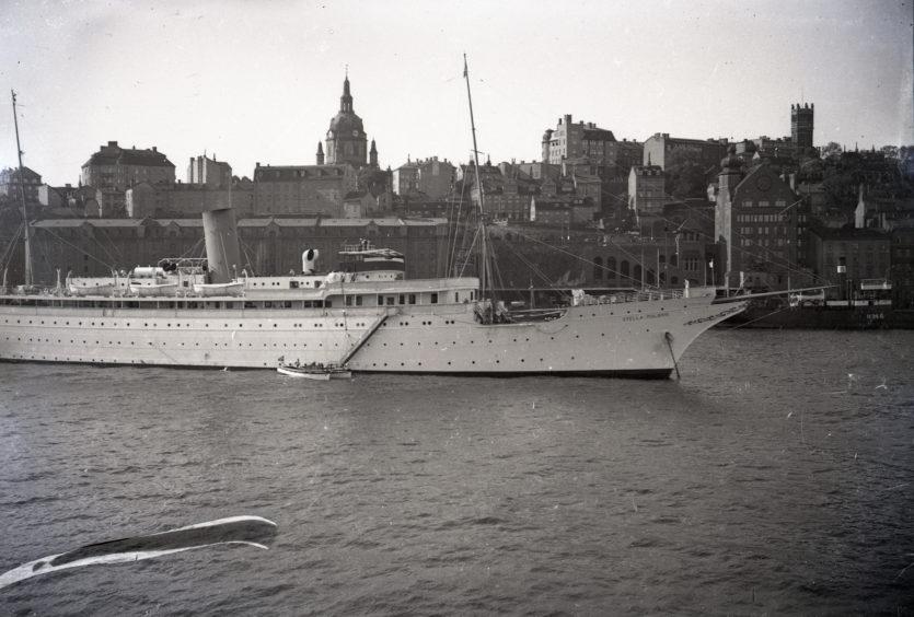 """Swedish cruiseliner """"Stella Polaris"""" in Harbour"""