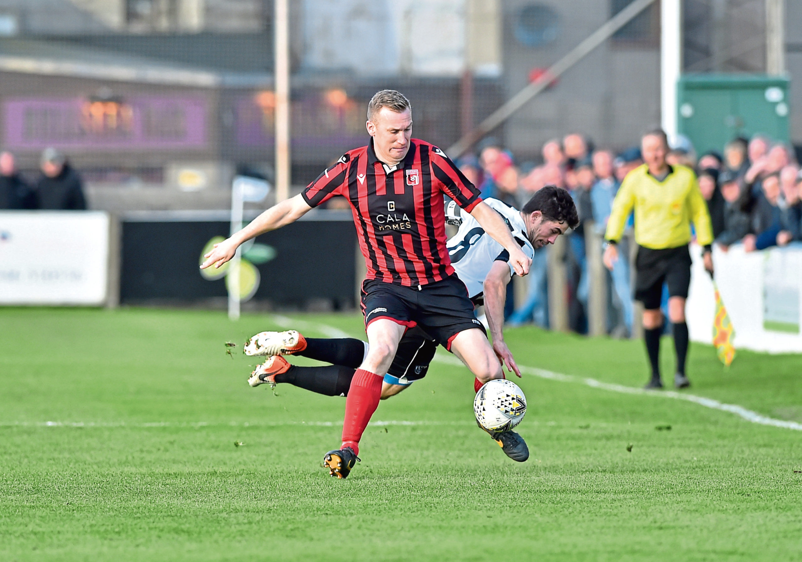 Eric Watson playing for Inverurie.