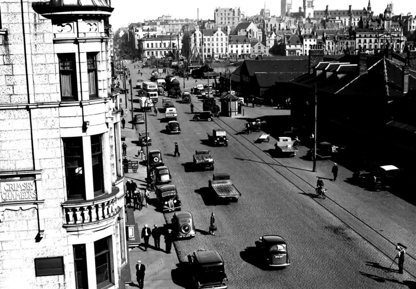 Everyday life on South Market Street, 17th June 1939