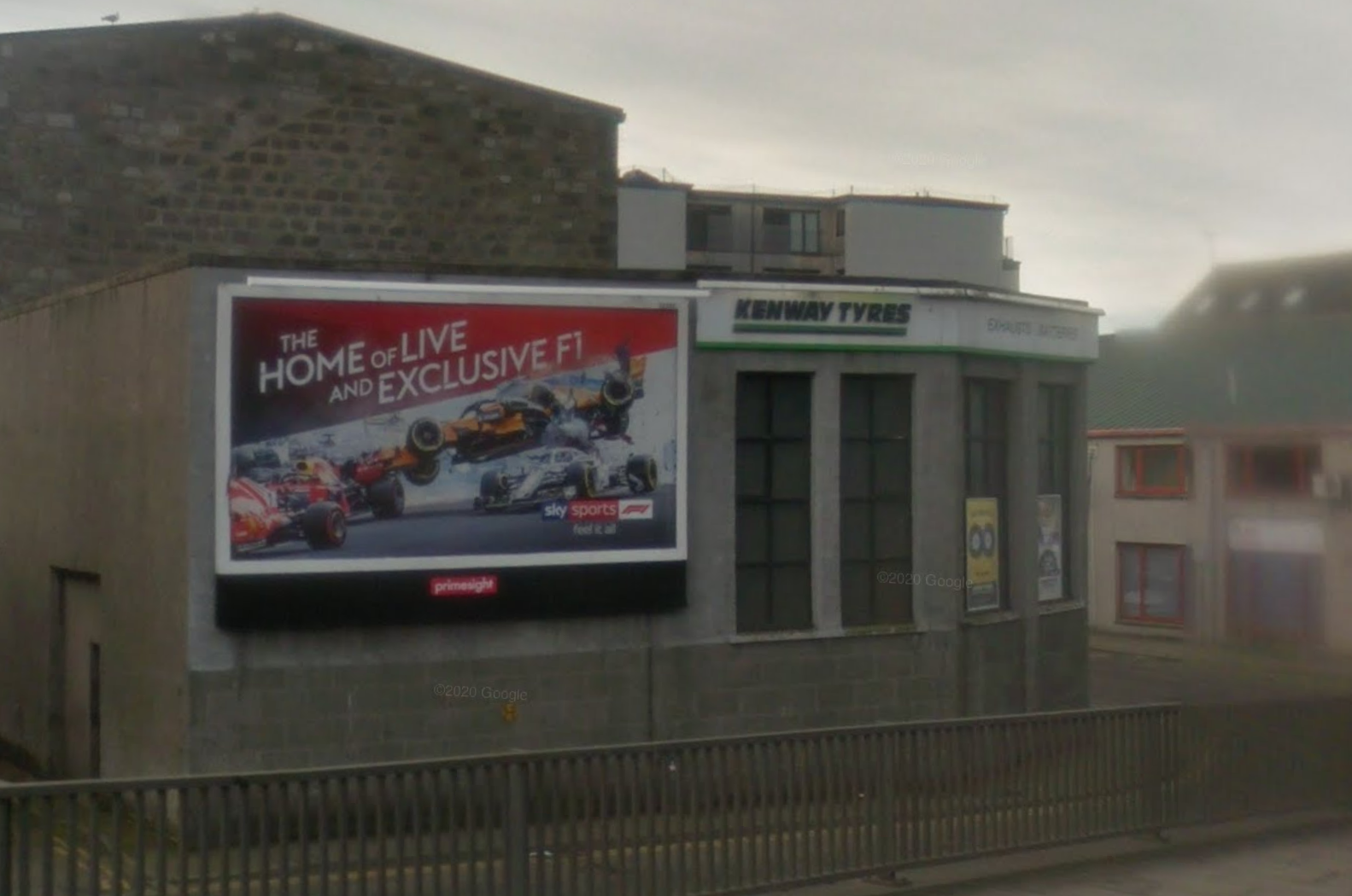 The existing advertising display on Mearns Street