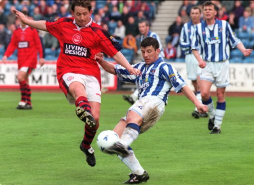 Billy Dodds, left, in action for Aberdeen.