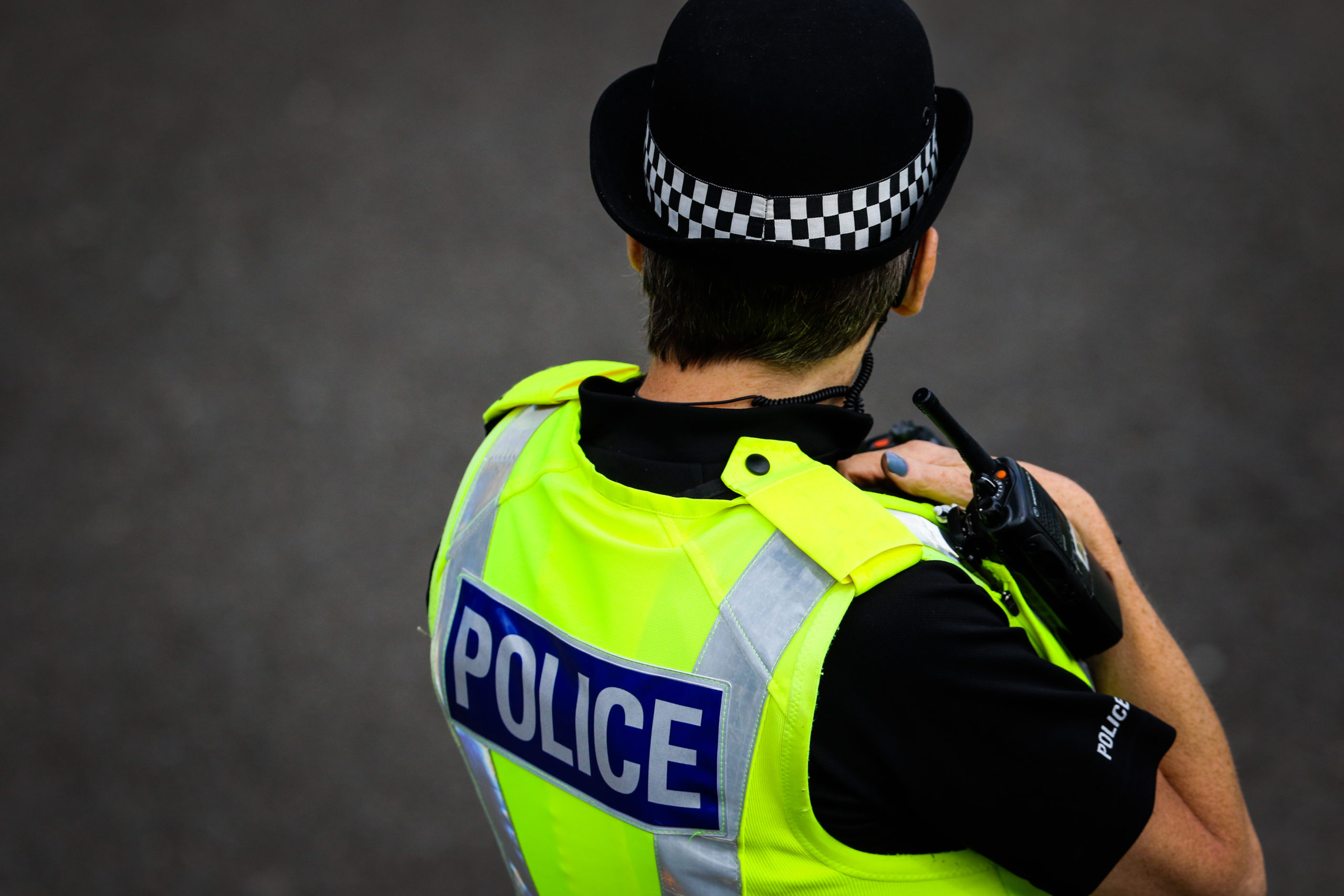 Police and police dogs attended the incident alongside an ambuland