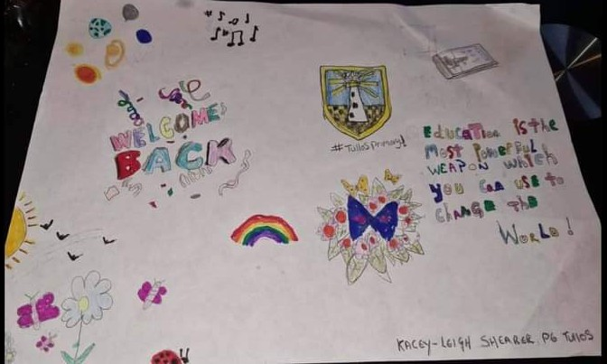 The 'back to school' banners can include anything from colourful drawings, sketches and paintings, to positive messages, poems and text