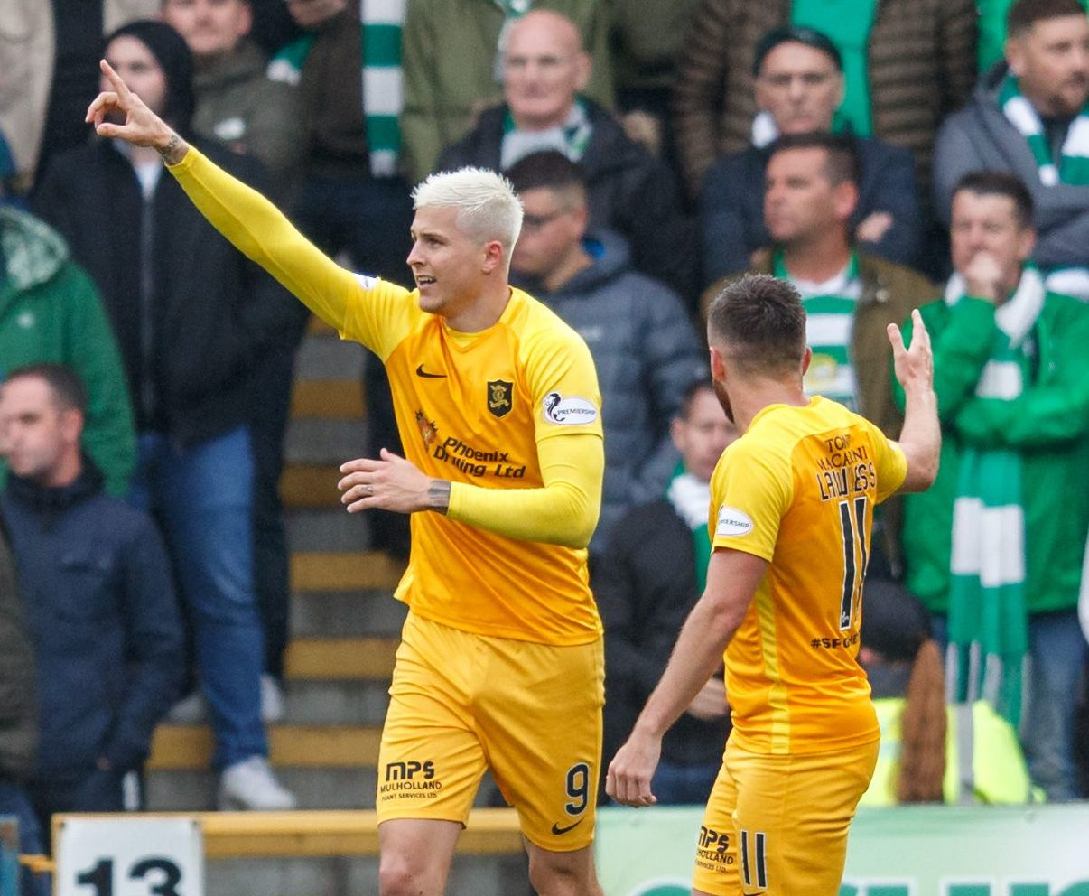 Departed Livingston striker Lyndon Dykes has chosen to play for Scotland over Australia.