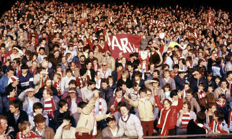 The Red Army turned out to try and push the Dons into consecutive ECWC finals.