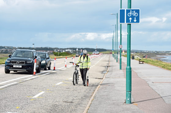 New cycle lanes and road markings at Aberdeen beach