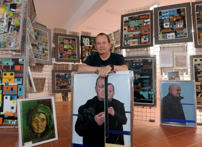 Bob Black is exhibiting his paintings in Inverurie