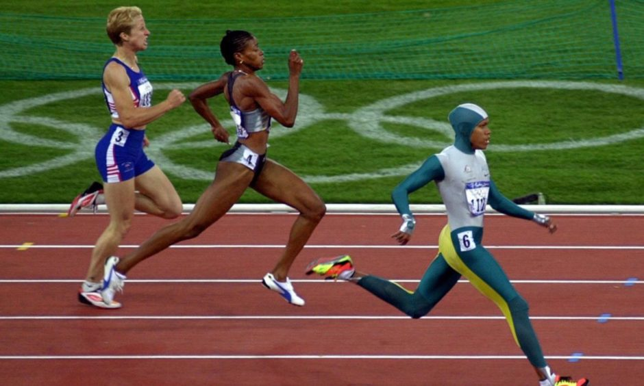 Cathy Freeman wins gold at Sydney in 2000.