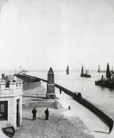 The New Quay at the mouth of Aberdeen Harbour with the North Pier beyond. Its development was crucial for enabling larger ships to enter the interior of the harbour. It was first designed by John Smeaton, constructed between 1770 and 1781, and has been extended and repaired extensively since.