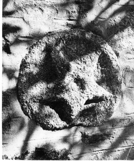 1980: Star shaped stone in St Machar Cathedral wall marking location of Sir William Wallace's arm.
