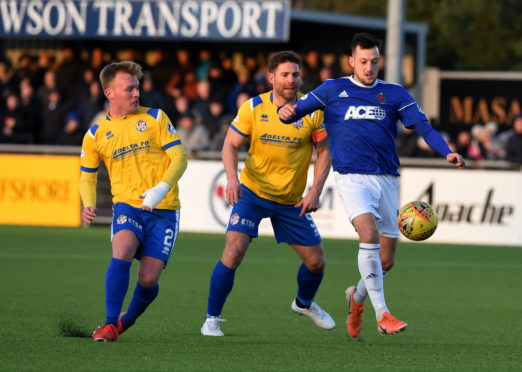 Connor Scully in action for Cove Rangers against Cowdenbeath
