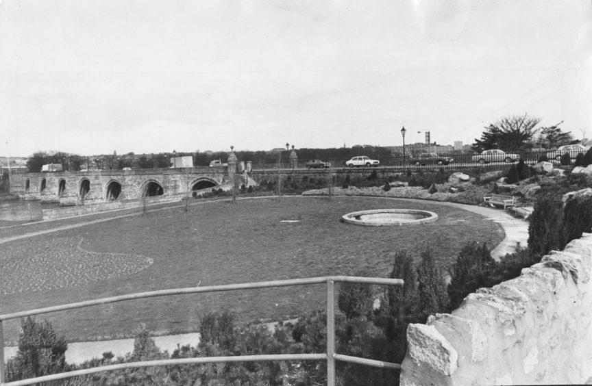 1976: By clearing away trees and undergrown from the south-west end of the Bridge of Dee and laying out a charming small formal garden, the local authority has enhanced an ancient monument which is one of its greatest treasures.