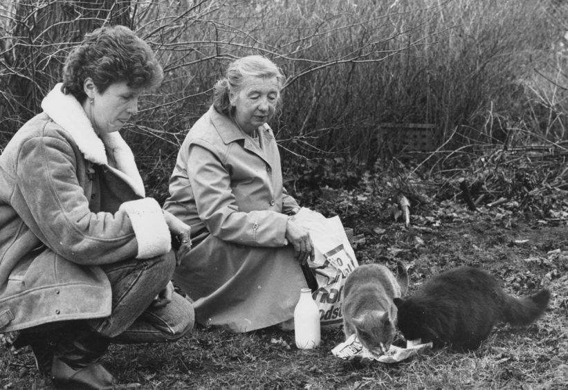 1987: Bunty Brown with her daughter Patricia Campbell on the food round.