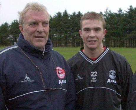 Former Aberdee manager Ebbe Skovdahl with Darren Mackie.