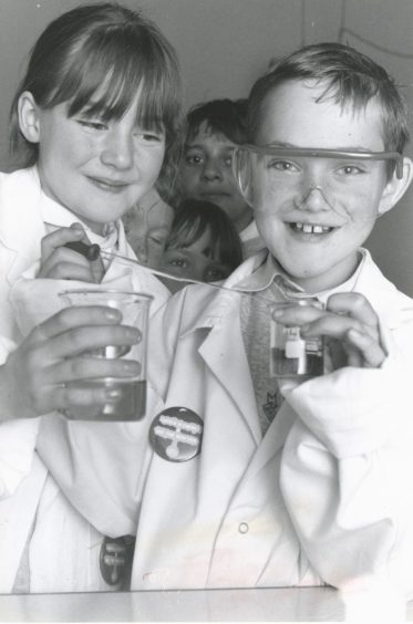 1990: Scientists for a day Jane Davie and Alex Ander discover the magic of chemistry, with other nine year olds from Broomhill Primary School at the Satrosphere centre.