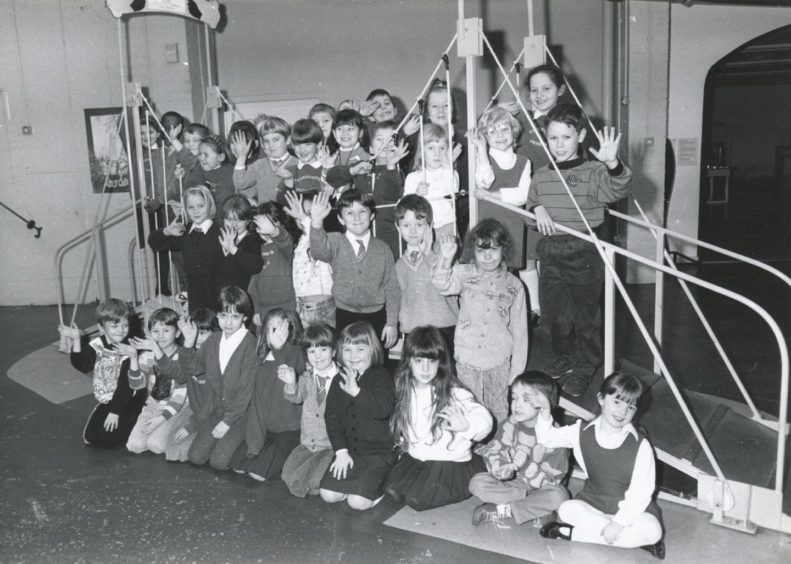 1991: Children from Luthermuir Primary School visit the inter-active science exhibition at Satrosphere, Justice Mill Lane, Aberdeen