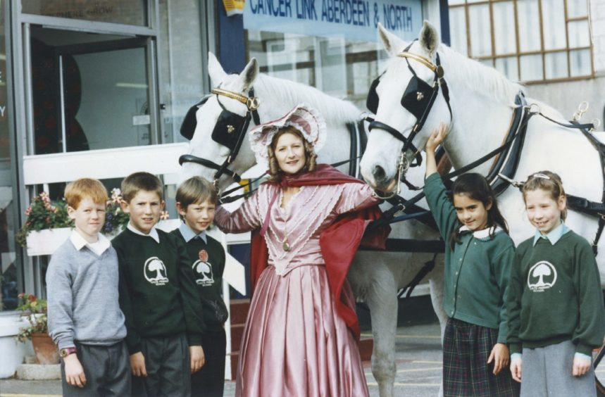 1991: Countess Lovelace with pupils from Cults Primary School, left to right, Richard Nicoll, Paul Loveridge, Peter Mathewson, Jenny Dundas and Lindsay Warrack.