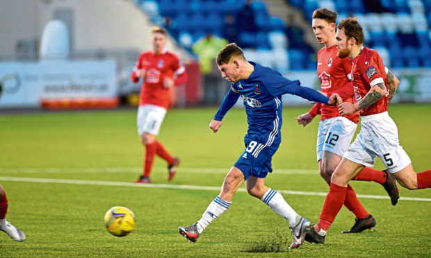 Cove's Mitch Megginson scoring to make it 1-1. Picture by Darrell Benns