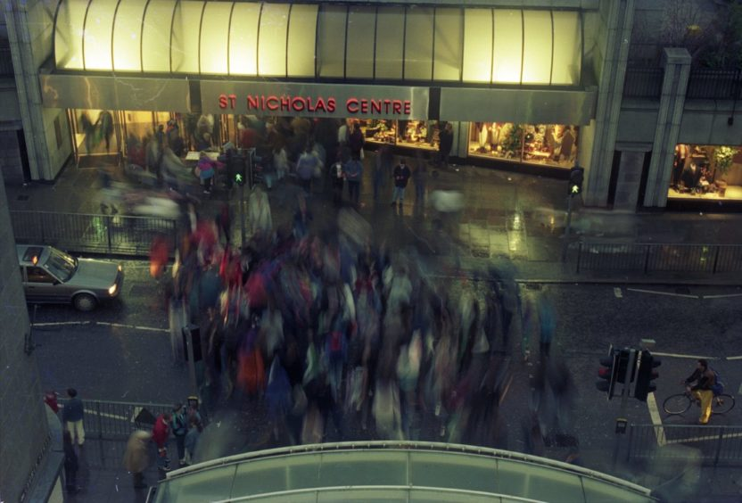1993: Shoppers cross Schoolhill between the Bon Accord Centre and St Nicholas Centre.