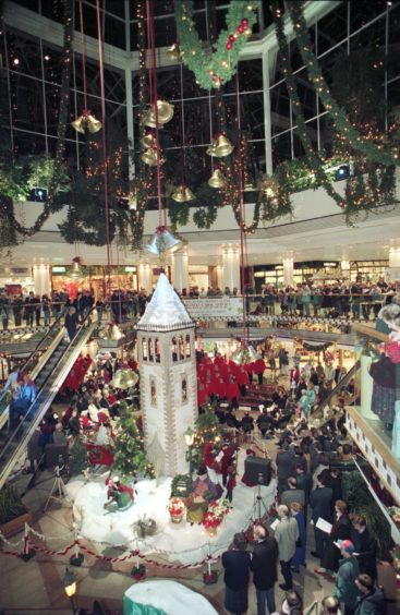 1994: Bon Accord Centre. Christmas