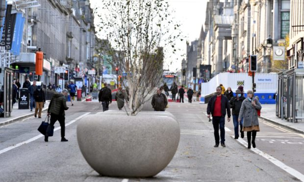 People have begun to return to the city centre, however recovery levels are nowhere near as high as pre-lockdown levels.