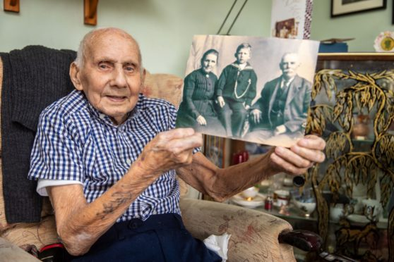 Jimmy Sinclair, the last of the Desert Rats, was among those who died in 2020.
