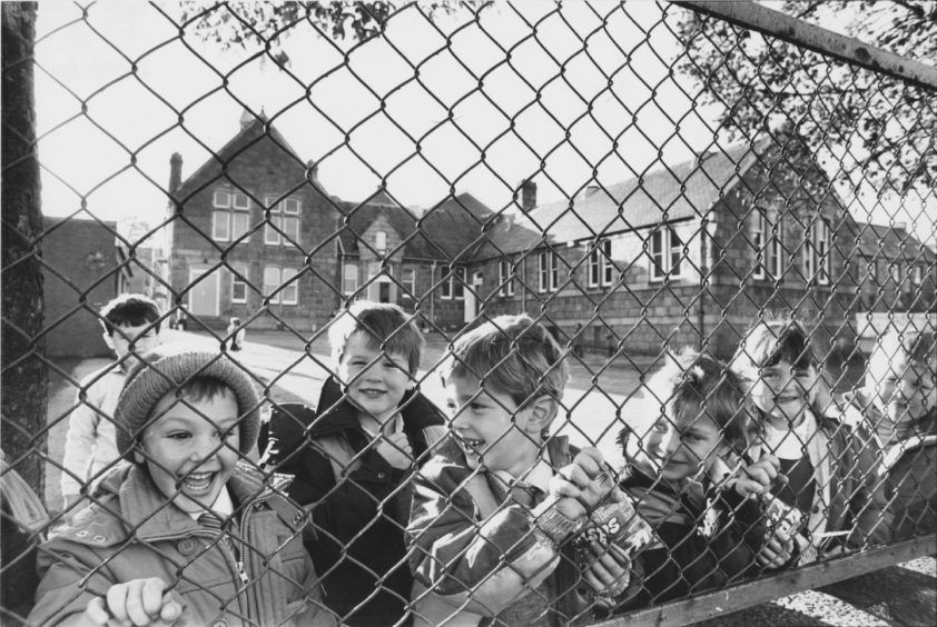 1987: Victoria Road School, seen from Abbey Road.