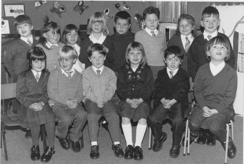 1993: 'Miss Galloway's class: At Victoria Road.'