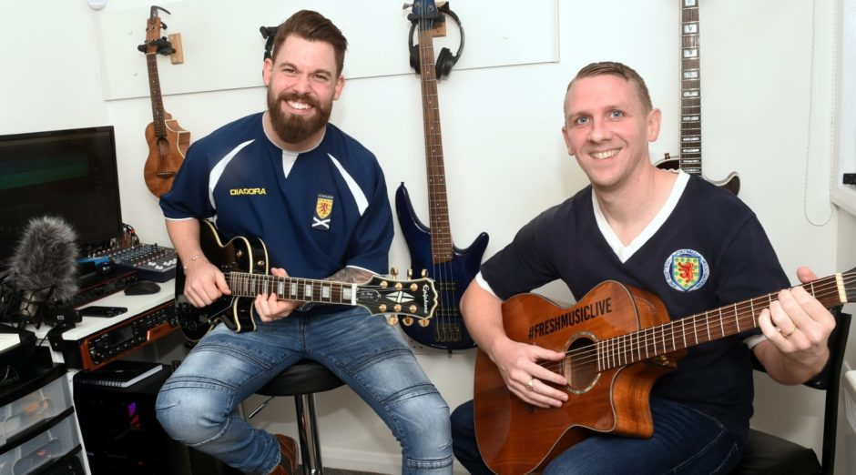 Des musiciens d'Aberdeen écrivent une chanson de victoire après la qualification de l'Écosse pour l'Euro 2020  - Championnat d'Europe 2020