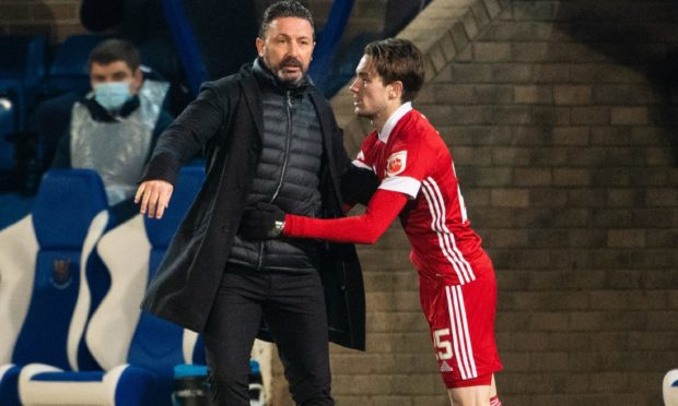 Aberdeen manager Derek McInnes with Scott Wright during the game at St Johnstone.